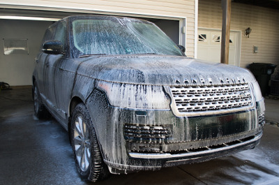 Washing Range Rover