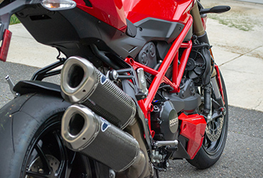 red and black 2015 Ducati 848 Streetfighter rear exhaust